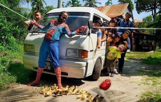 Peter Parker. .. Peter Darker. Spiderman peter parker FUNNYJUNK WTF weird