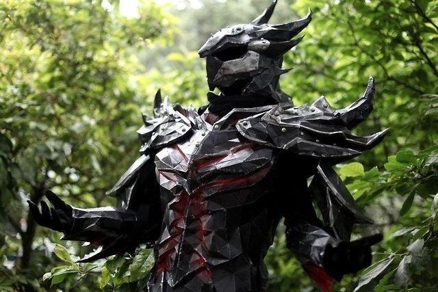 daedric armor. .. do I look like I intense bodyloveing fetch mead ? f