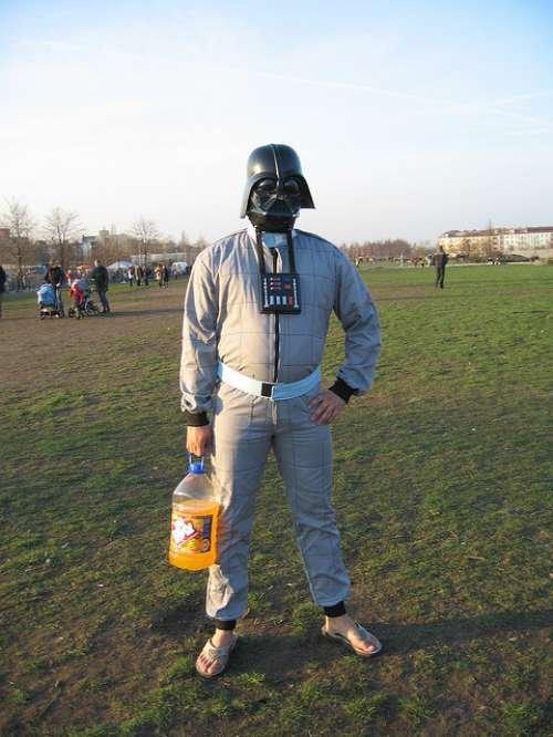 Derp Vader. u dont ever wanna go full retard. derp vader