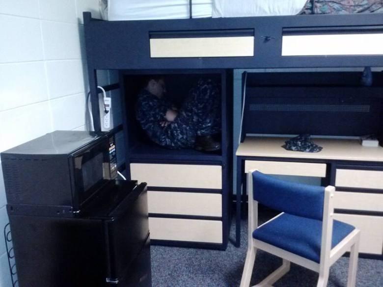 Hiding from Chief. Fell asleep while avoiding my boss... There is no hiding from me. Hiding from Chief Fell asleep while avoiding my boss There is no hiding me