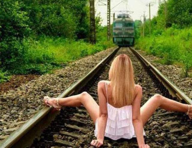 Train going into a tunnel. . asdasdasdasd